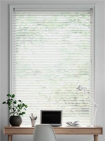 Essence Polar White thumbnail image